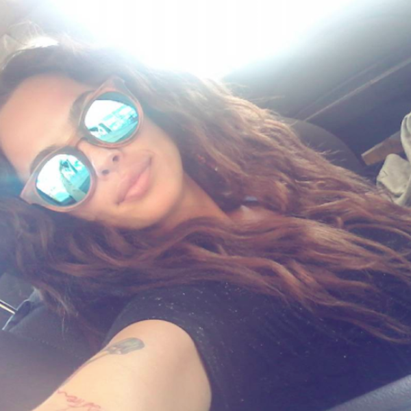 Gafas de sol de madera Blue Cheetah Yiya del Guillen - Modelo y Princesa